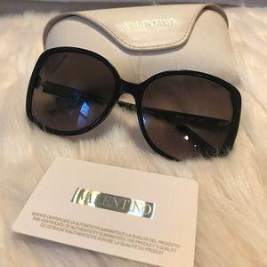 Valentino scalloped square frame sunglasses